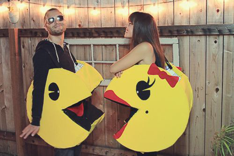 couples-are-loving-the-idea-of-diy-mr-and-ms-pac-man-costumes